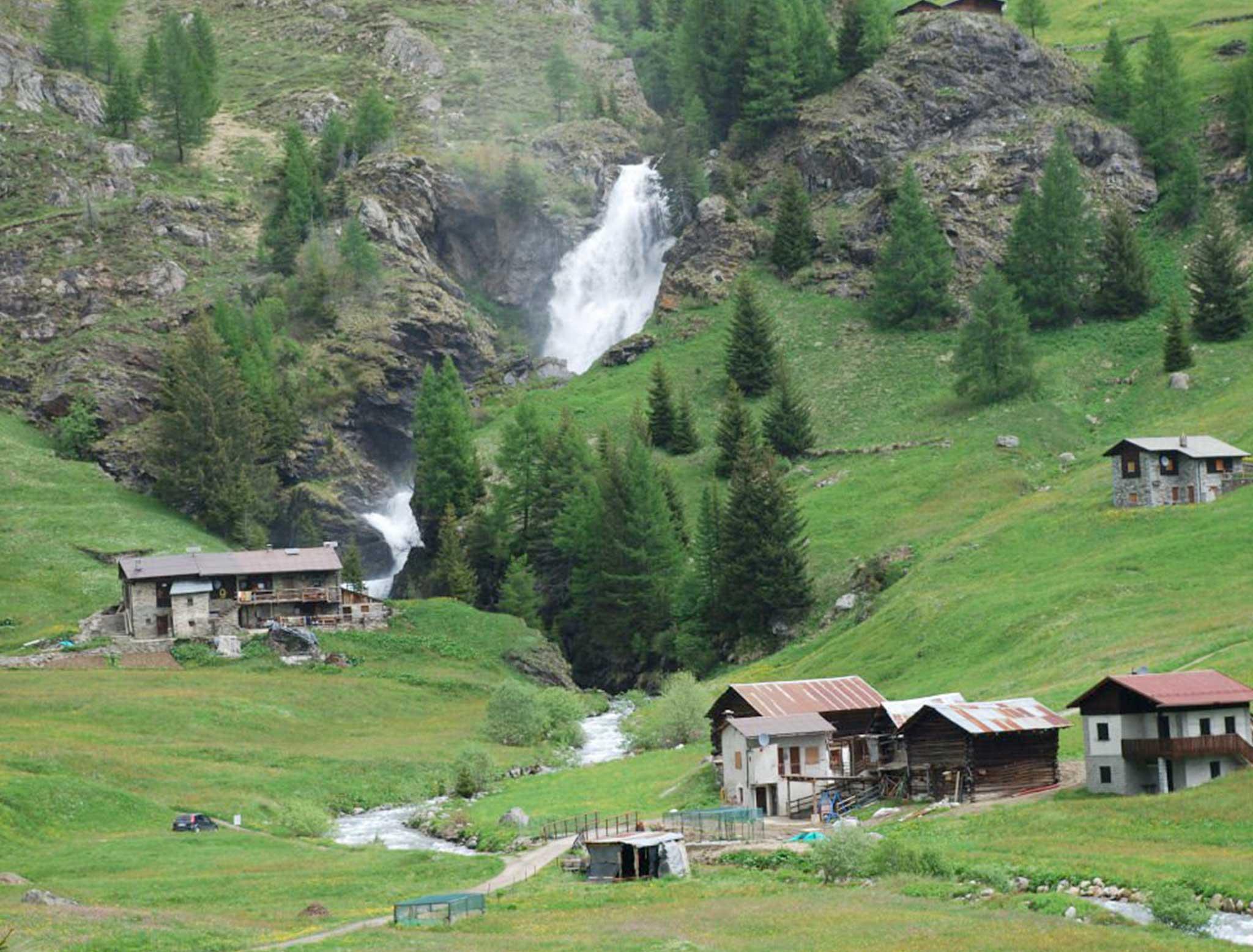 Le vallate ITALIANE a due passi da Tirano sono tanto belle quanto quelle Svizzere, vi consigliamo di visitarle, ne resterete affascinati